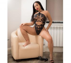 Gynette brunette escorts in Conway